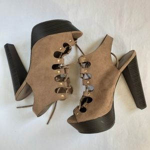 NWOT Breckelle's- Peep Toe Lace Up Heels Tan